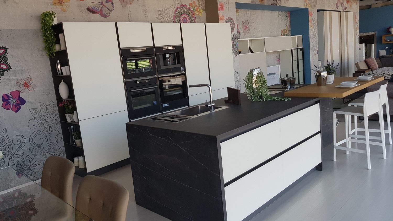 Veneta Cucine Modello Reflex.Cucina Riflex
